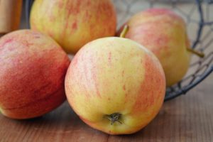 apple-1253432_960_720